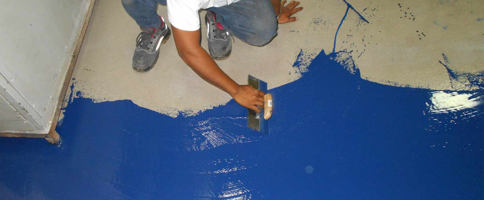 Installation of US Navy Approved/Mil-Specs Dex-O-Tex Colorflake Deck Covering